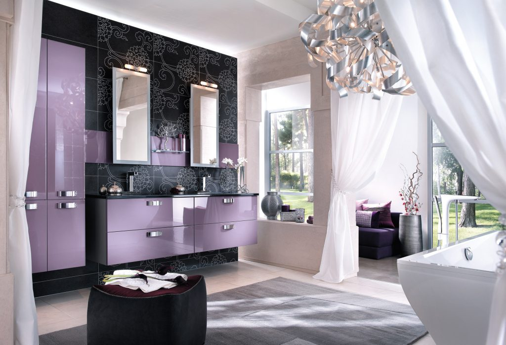 salle de bain feminine affordable remarquez les poses varies en losange sur le sol pour largir. Black Bedroom Furniture Sets. Home Design Ideas