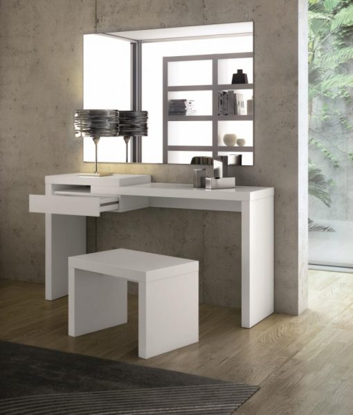 White dressing table for Womens dressing table