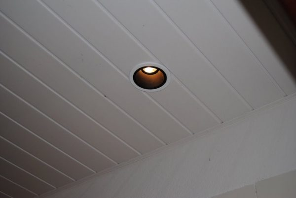 False ceiling - Lambris pvc de couleur ...