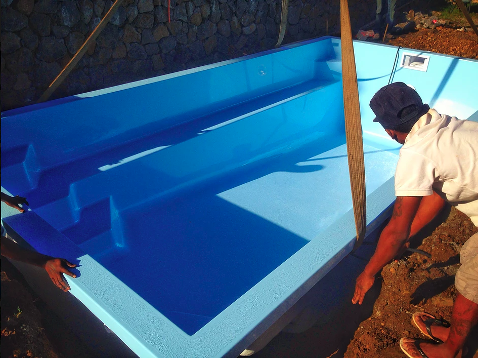 installation de piscine en fibre de verre. Black Bedroom Furniture Sets. Home Design Ideas