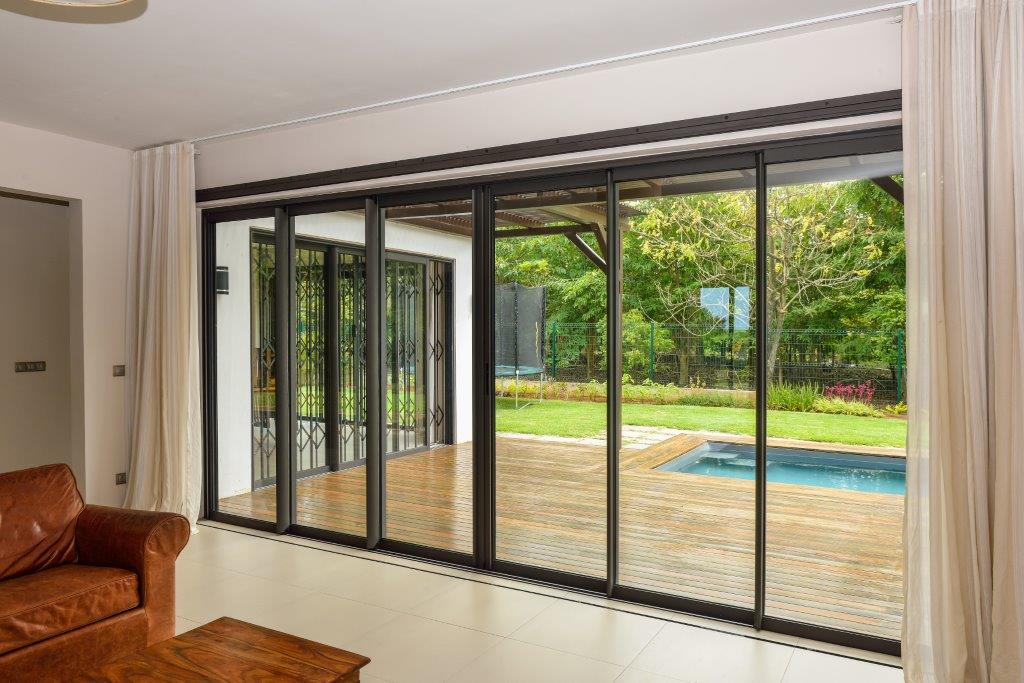 Sliding door 6 panels - Porte coulissante 3 vantaux ...